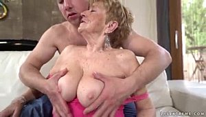 Skillful and still sexy old-woman from XXX Videos