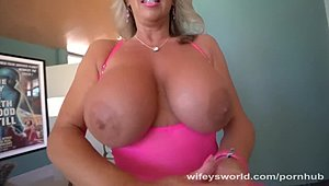 Eccentric mommy With ample milk cans Blows shlong For messy facial XXX